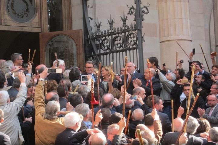 Mas tacha a Aznar de »panzer» y recuerda que Rajoy recogió las firmas contra el Estatut