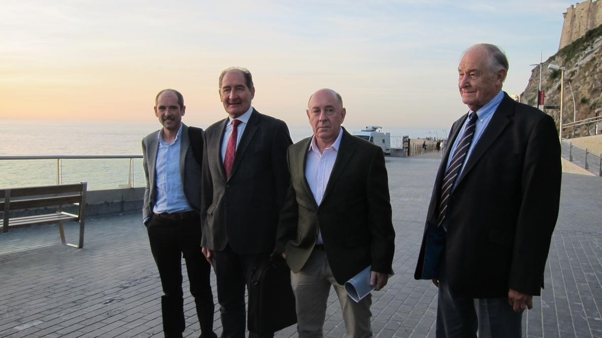 Currin insta a los partidos vascos a convertir la propuesta de Quiroga en una iniciativa conjunta de ponencia de paz