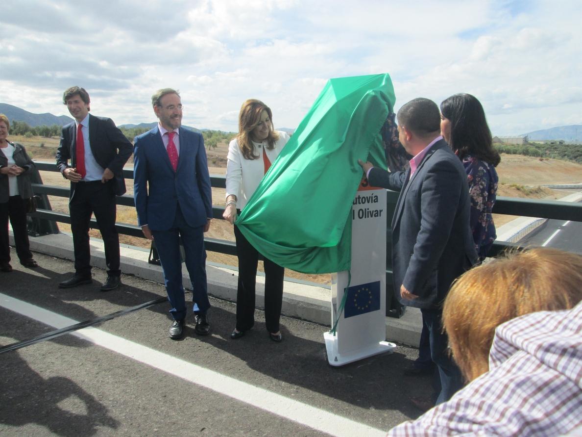 Díaz inaugura la variante de Mancha Real de la Autovía del Olivar, «gran avance» con 35,8 millones de inversión