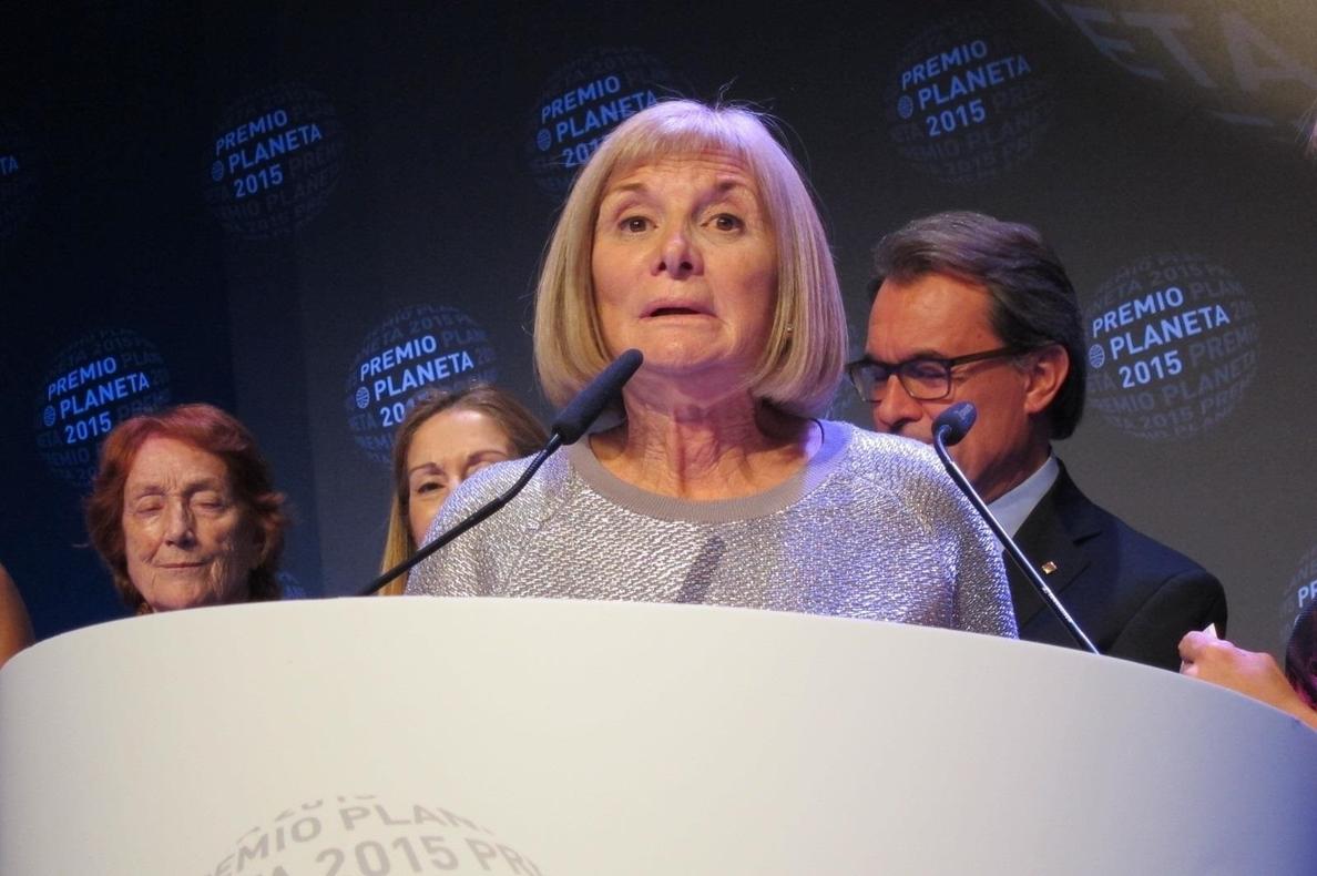 La albaceteña Alicia Giménez Bartlett, ganadora del Premio Planeta de Novela con »Hombres desnudos»