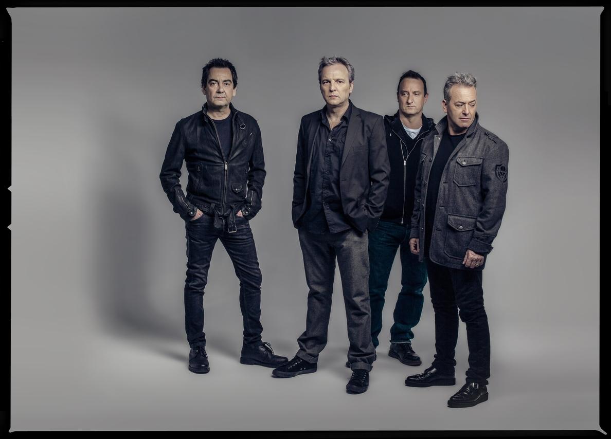 Hombres G llega este sábado al Auditorio Rocío Jurado con su gira »30 años y un día»