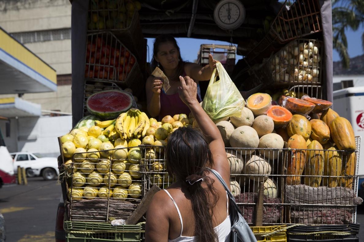 Maduro anuncia un aumento del 30 por ciento en el salario mínimo de Venezuela