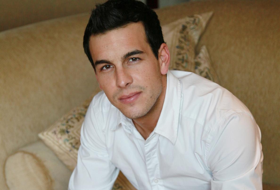 Mario Casas habla orgulloso de la carrera profesional de su novia Berta Vázquez