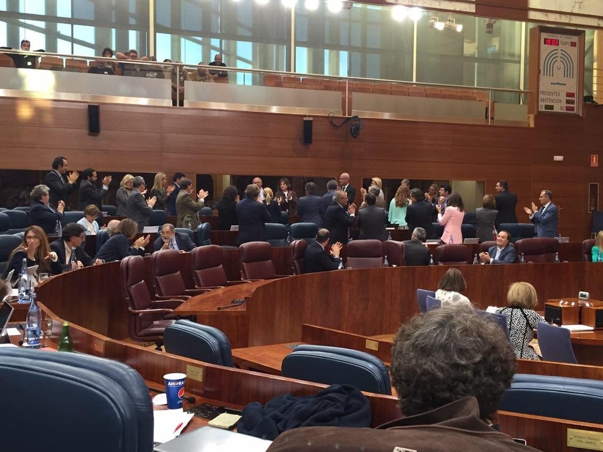 PP atribuye la marcha de Cabrera a que al ser menos diputados «se le exige un gran esfuerzo» y «está cerca de jubilarse»