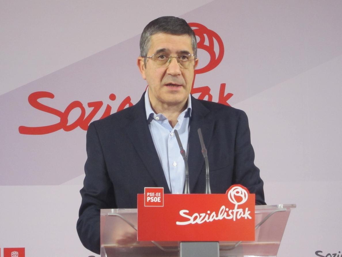 Patxi López ve «curioso» que el liderazgo en el PP vasco se siga «eligiendo a dedo»