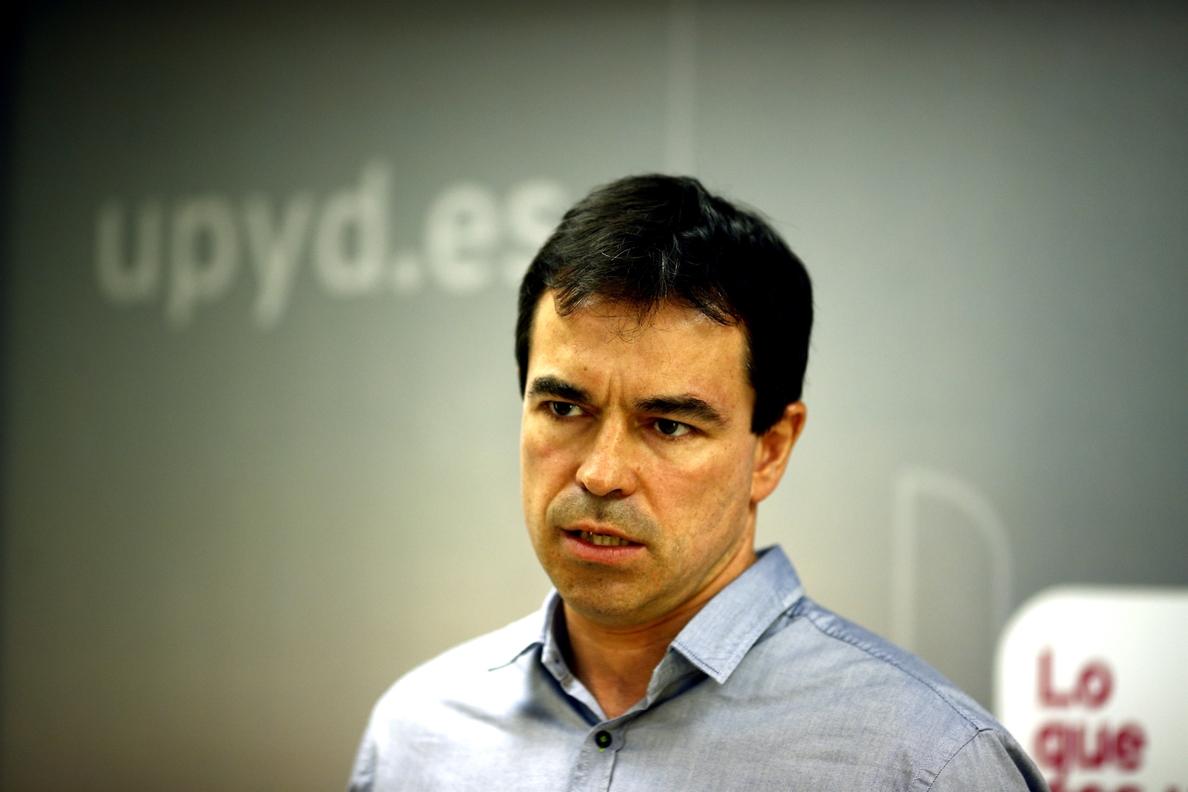 UPyD dice que la marcha de Lozano no altera sus planes y arremete contra Pedro Sánchez por hacer «política espectáculo»