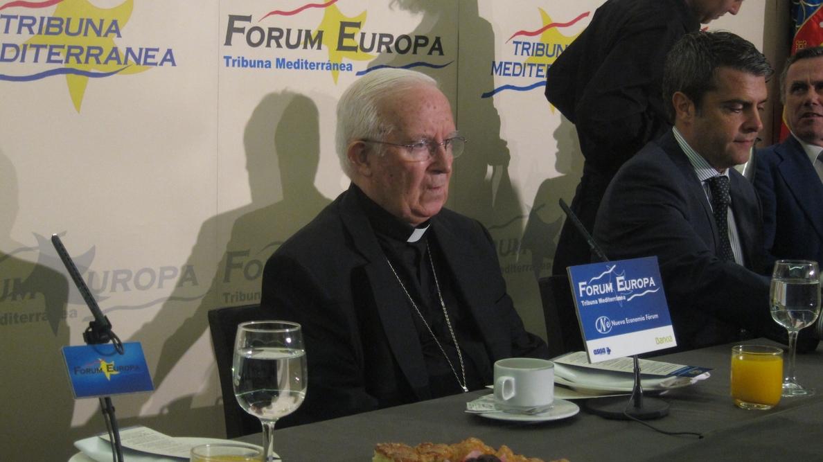 El cardenal Cañizares pide perdón a los refugiados y cree que ha habido un «linchamiento» contra su persona