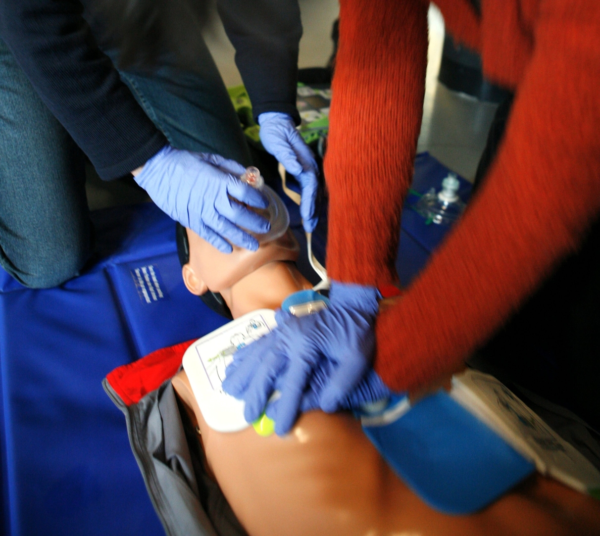 Un masaje cardiaco en los primeros cuatro minutos aumenta las posibilidades de recuperación en más del 50%