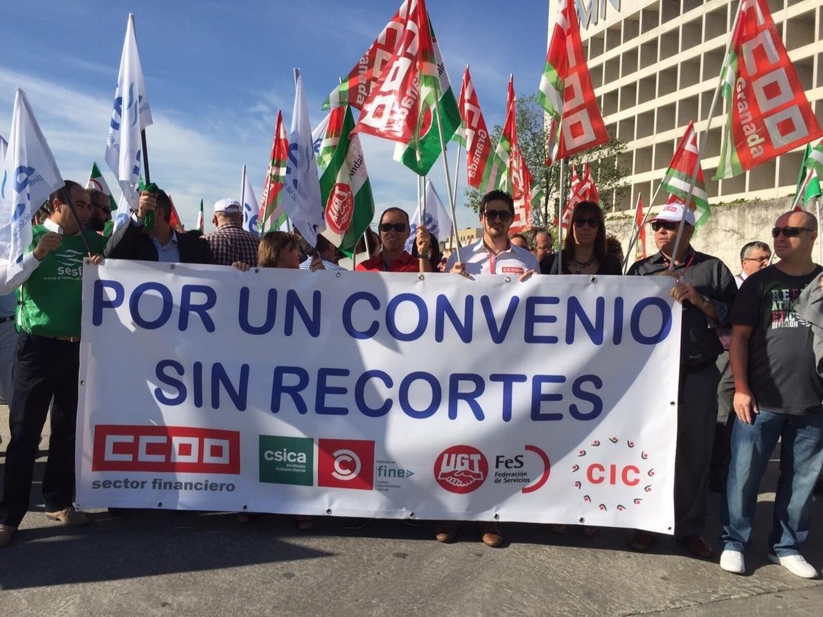 Más de 600 delegados se concentran en Granada, Córdoba y Málaga ante el «atasco» del convenio de ahorro