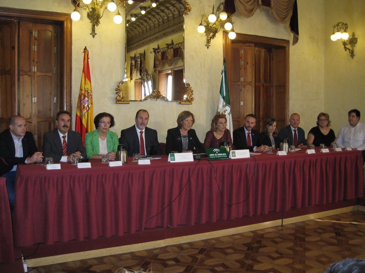 Los presupuestos andaluces prevén reactivar obras en varias carreteras e iniciar trabajos en la Casa del Mar