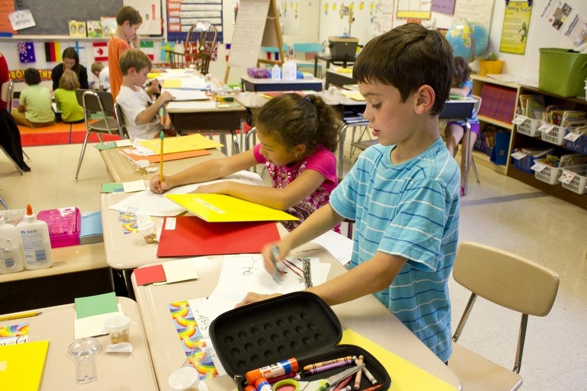 Los problemas de audición pueden causar un bajo rendimiento escolar en los niños