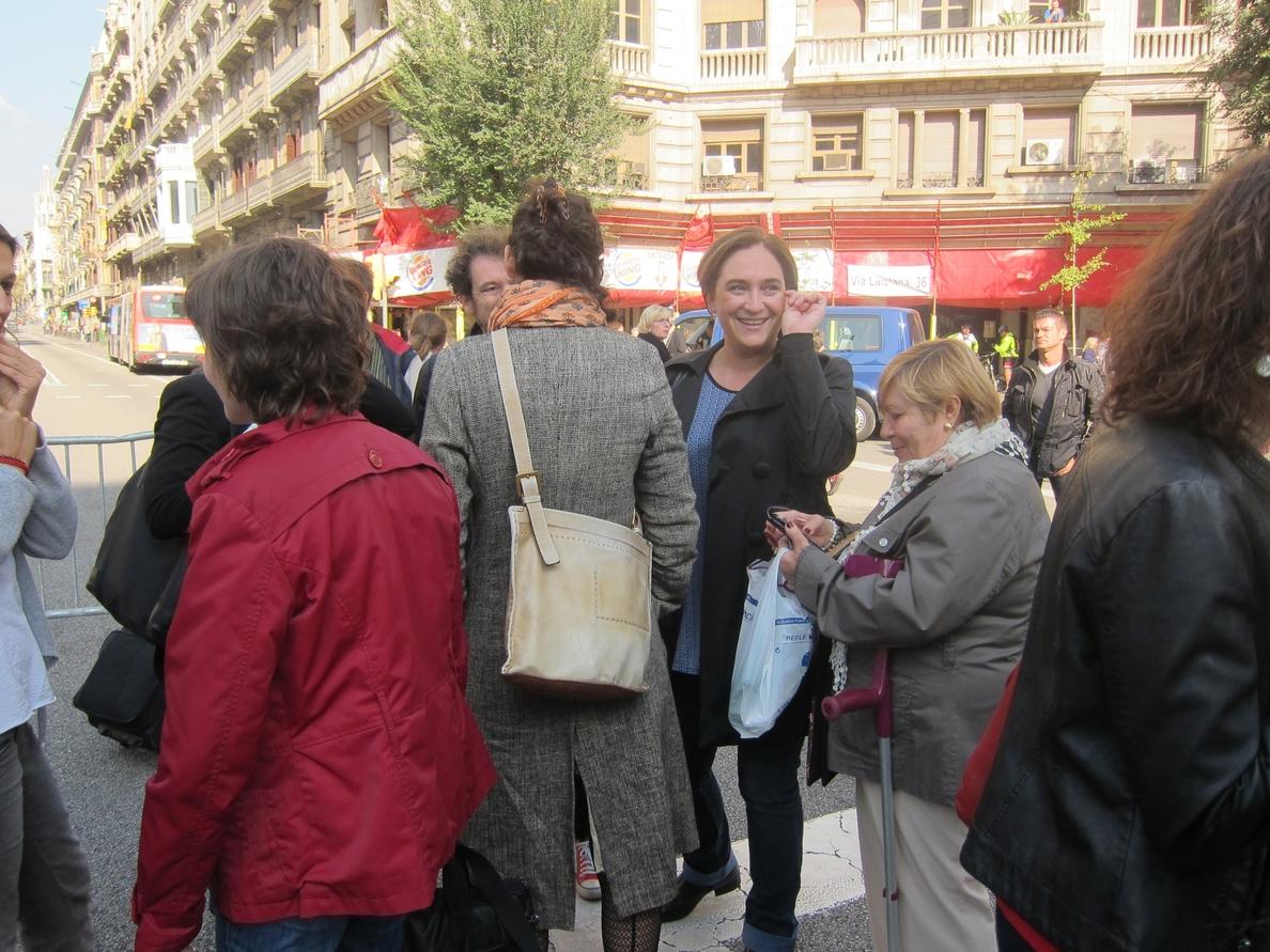Colau aboga por recuperar espacio público para los ciudadanos ante la contaminación
