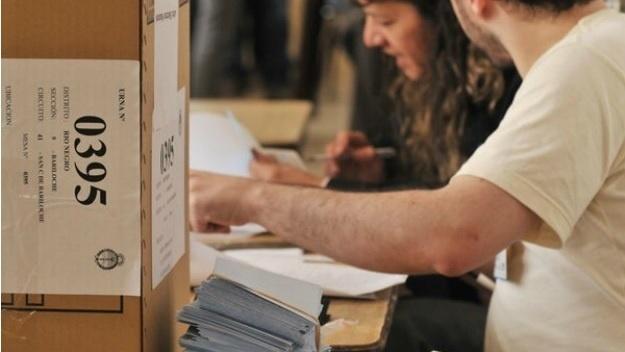 Casi uno de cada tres argentinos no tiene claro a quién votará el próximo domingo