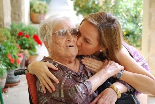 Soledad, miedo, tristeza, ira y autocompasión, principales sentimientos a los que se enfrentan los cuidadores