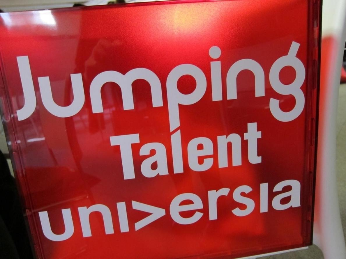 Un total de doce multinacionales captarán jóvenes talentos universitarios en la IV edición de Jumping Talent