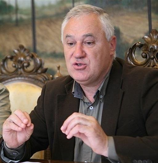 El alcalde de Becerreá vota con el PP en la Diputación reforzar las competencias del pleno y regular los no adscritos