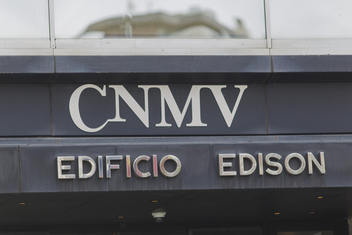 La CNMV saca a consulta la circular sobre los modelos de notificación de participaciones significativas