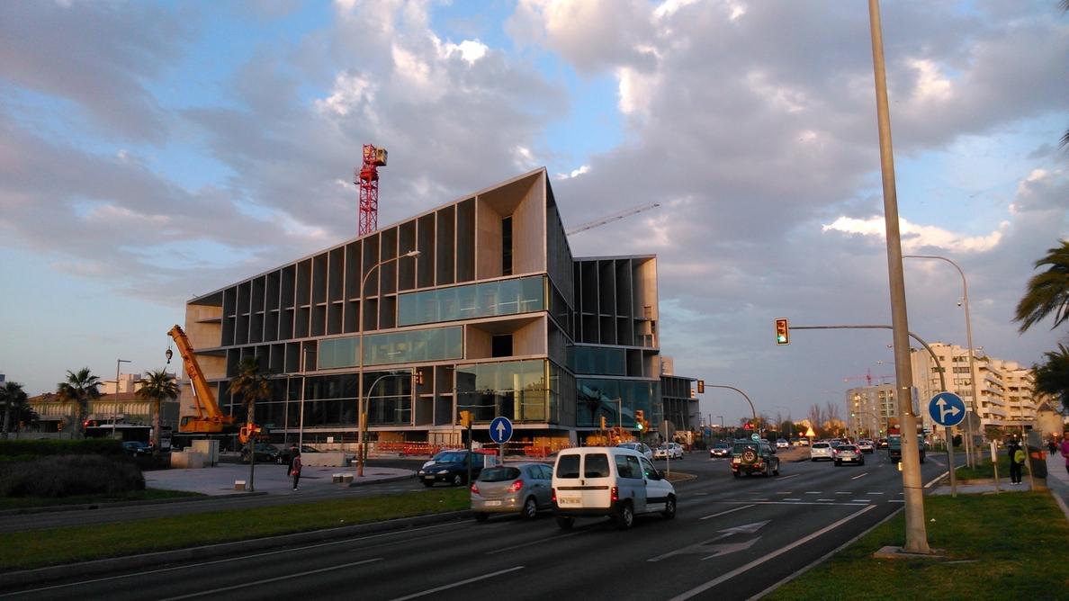Cort pide «responsabilidad y cordura» a Acciona para la finalización de las obras del Palacio de Congresos