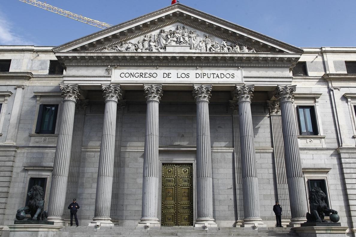 La Junta Electoral tumba 31 listas, incluyendo a Rodríguez Menéndez, el Partido Azul y el PUEDE