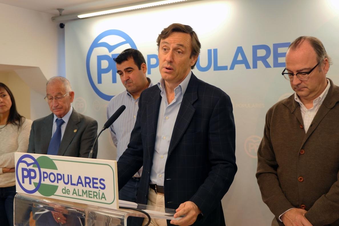 Hernando (PP) advierte a los agricultores que otros partidos van a «guillotinar» las infraestructuras