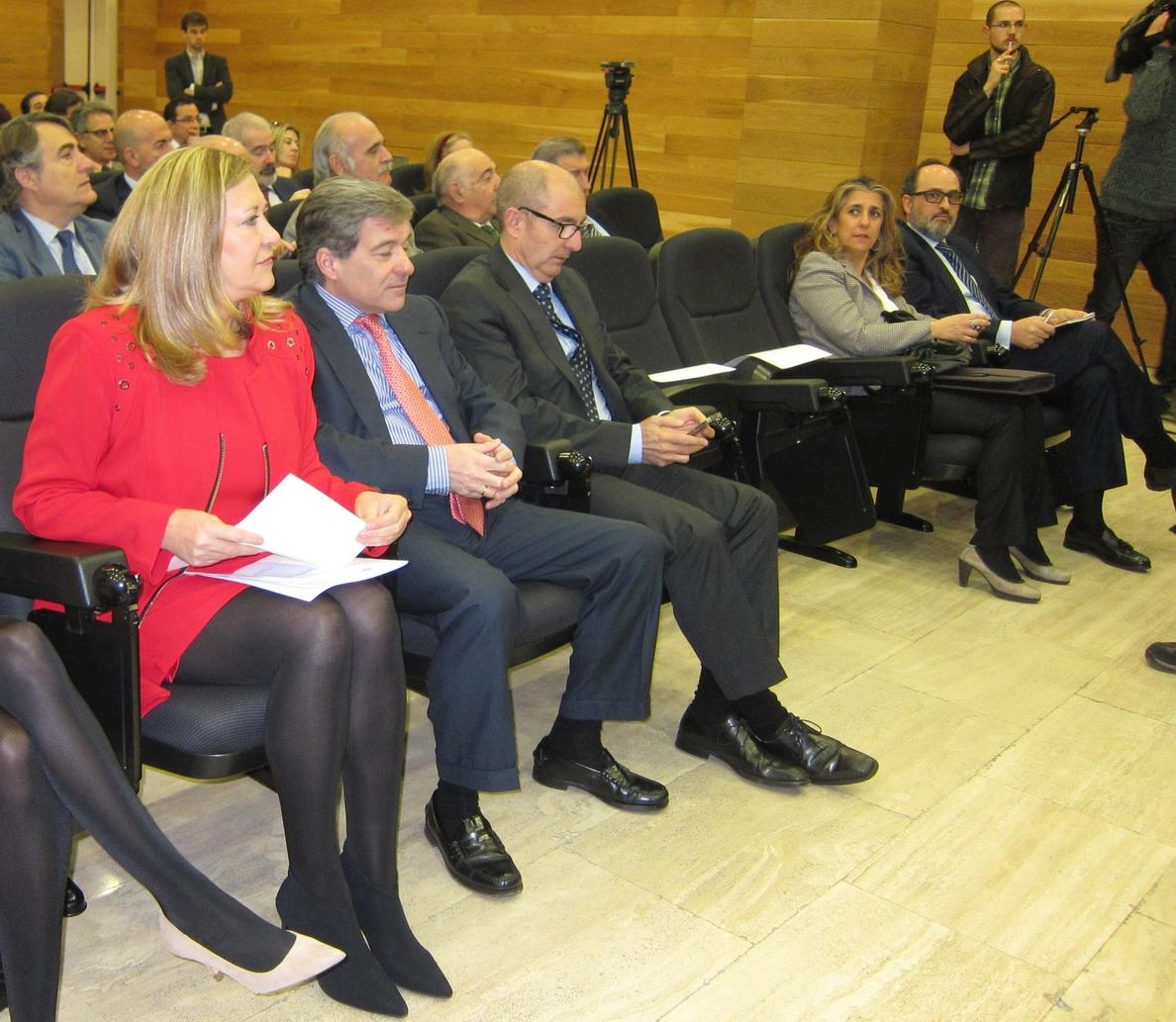 La Junta ofertará nuevas líneas de financiación para autónomos y empresas, con previsión de aportar 74 millones de euros
