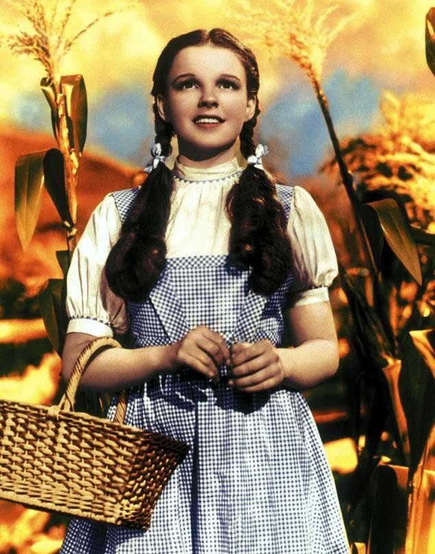 Subastado por casi 1,5 millones de euros el vestido de Judy Garland en El Mago de Oz