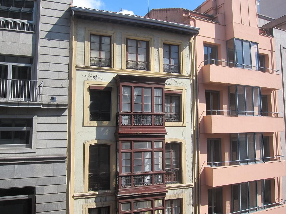 El precio de la vivienda de segunda mano en Asturias se ha abaratado de media un 45,1% en ocho años