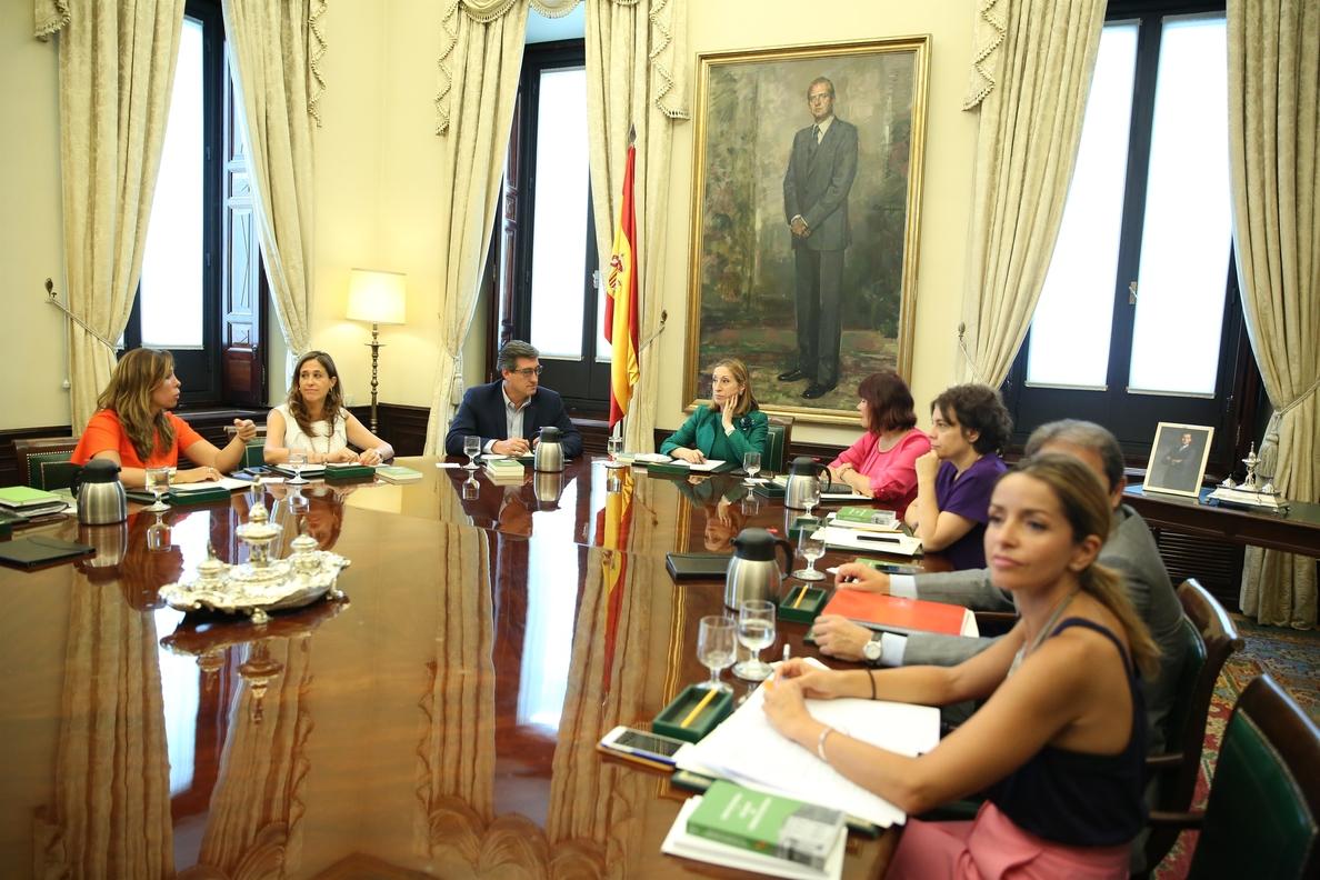 La Mesa del Congreso pretende establecer la próxima semana un criterio general sobre los viajes internacionales