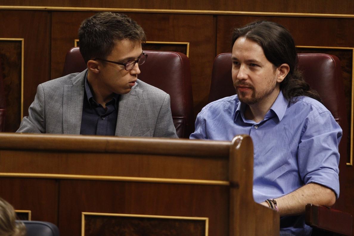 Podemos reprocha a Sánchez que hable con Rajoy aunque «no sirva de nada» y le exige que se postule