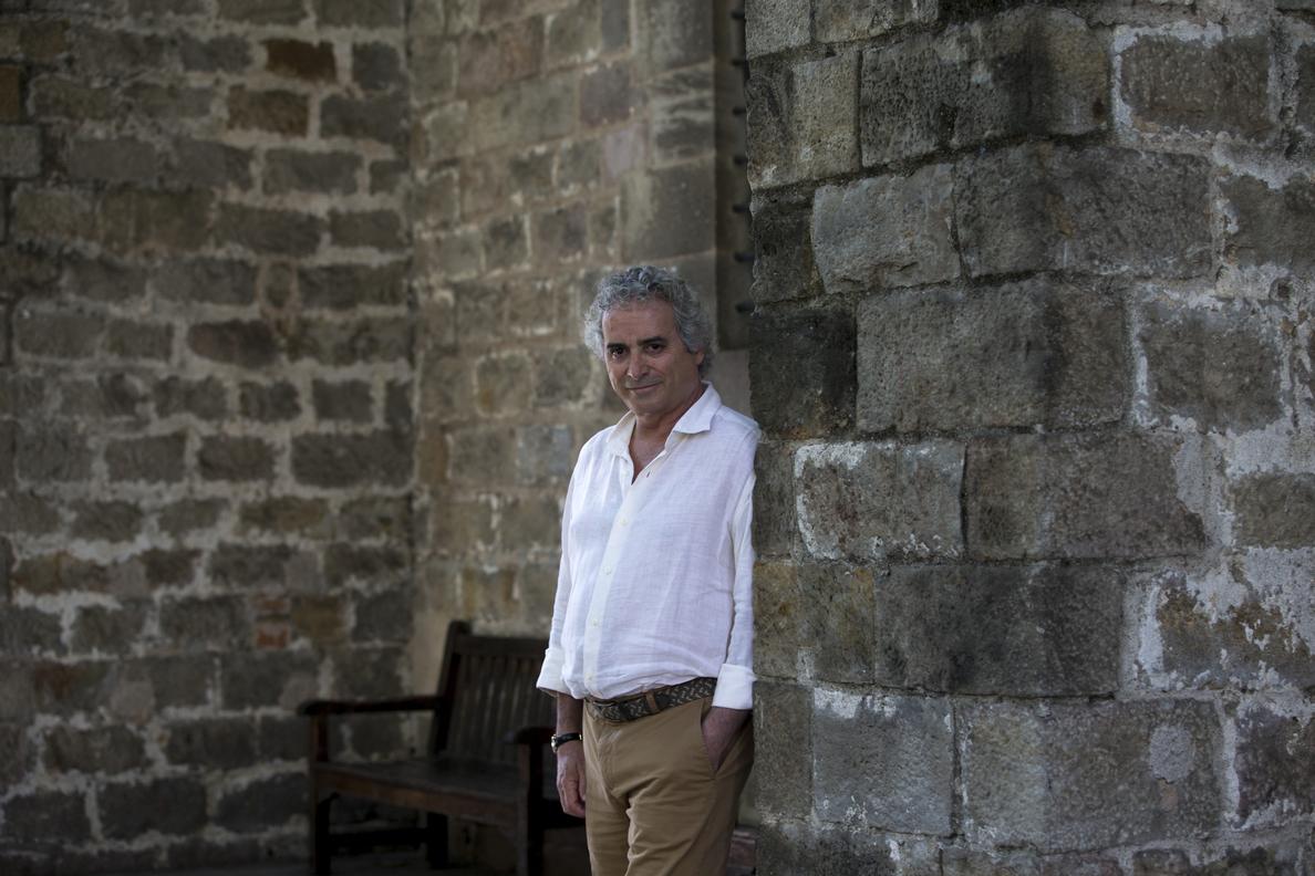 Falcones vuelve a la Barcelona medieval en «Los herederos de la tierra»