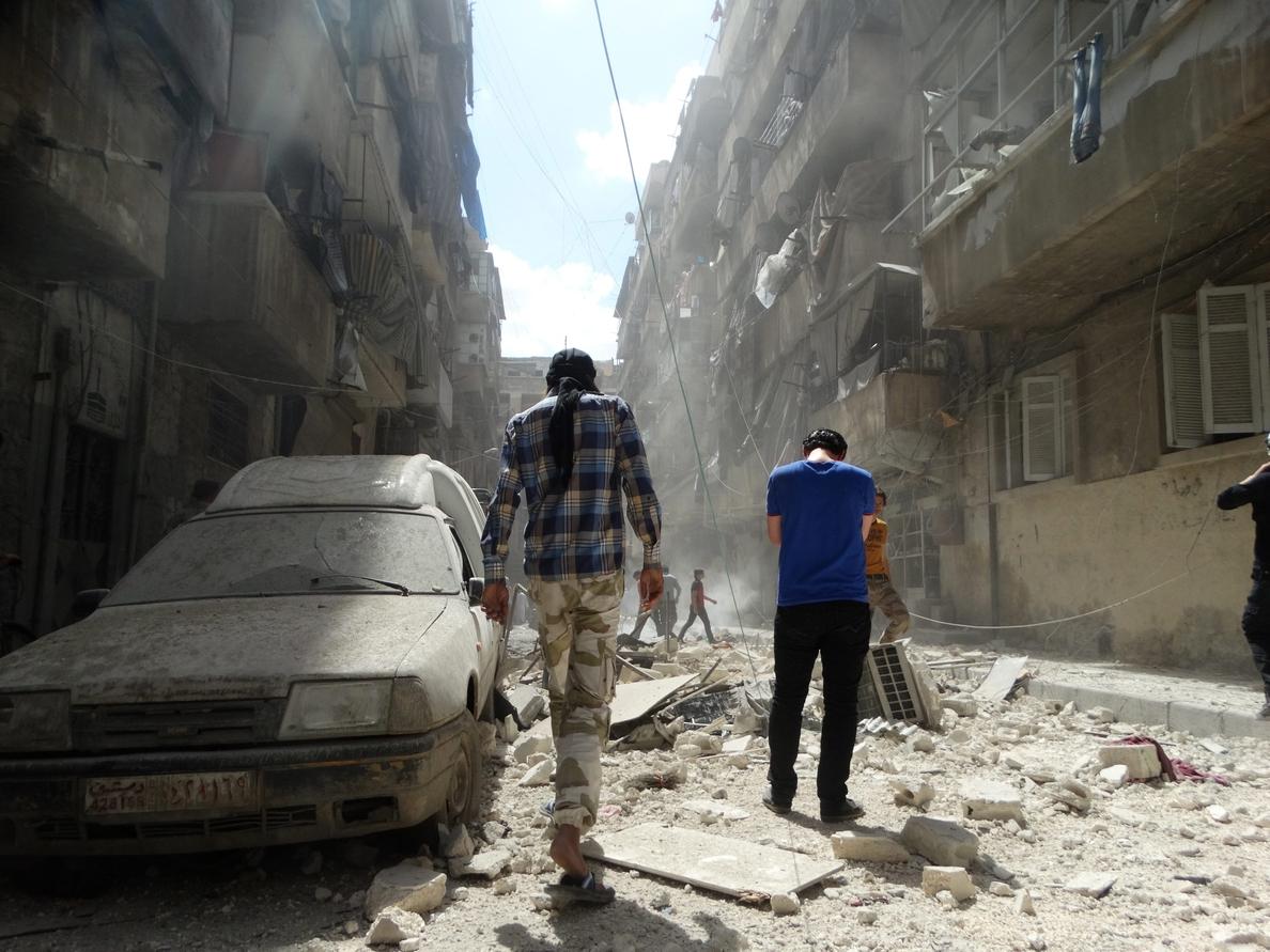 Mueren 18 personas en bombardeos y por una explosión en el norte de Siria