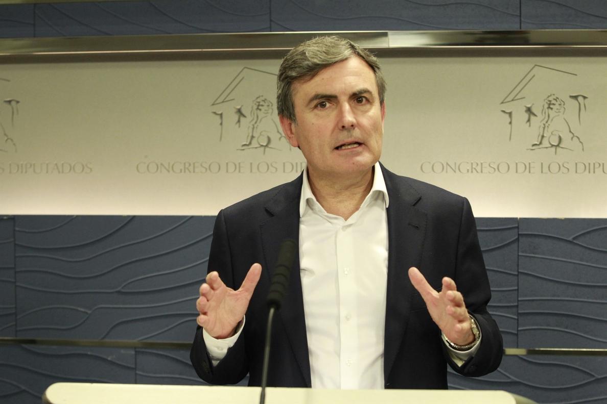 El PSOE advierte de que el caso Soria es «el caso Rajoy y el caso Guindos» porque ambos «han mentido»
