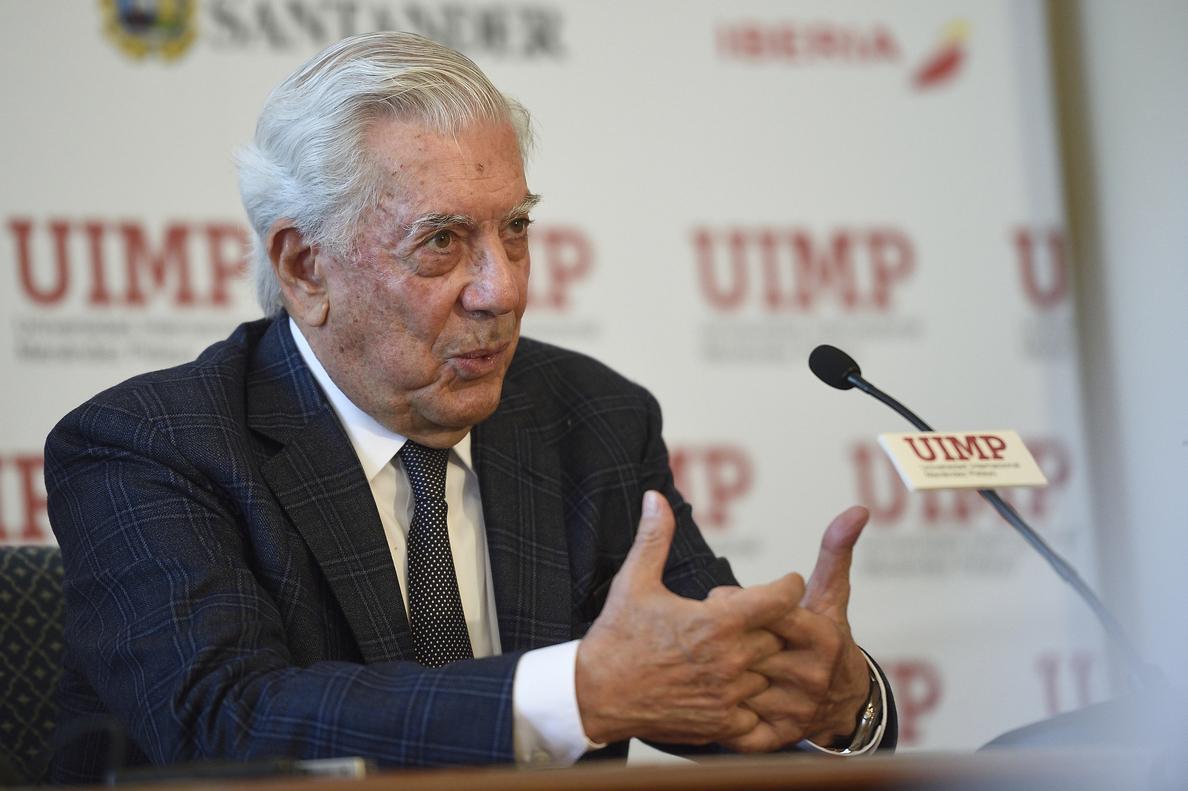 Vargas Llosa: «Es imposible ser escritor sin aislarse del resto»