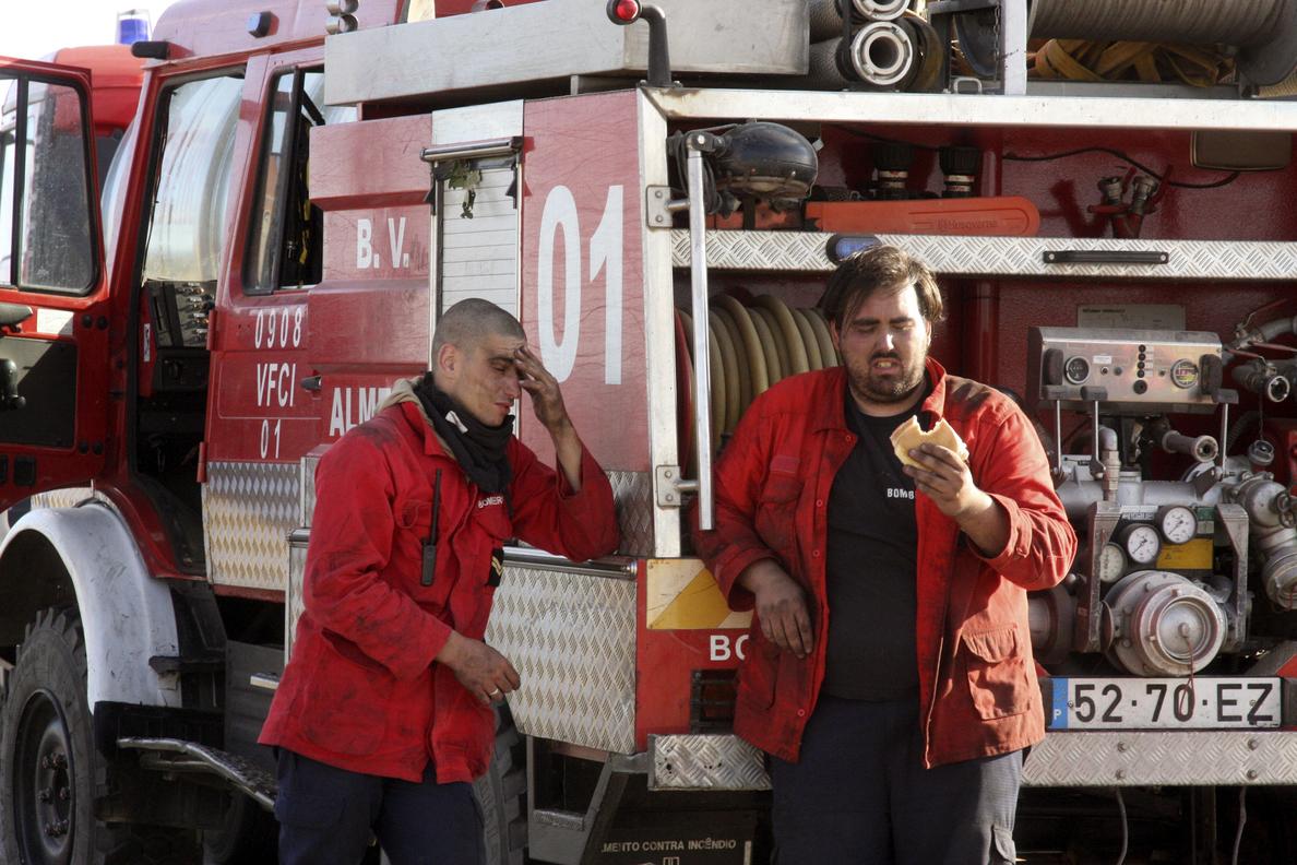Siete incendios continúan sin control en Portugal
