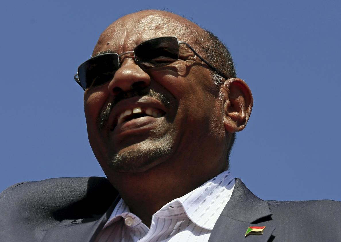 Al Bashir anuncia la liberación de un grupo de »niños soldado» en Darfur