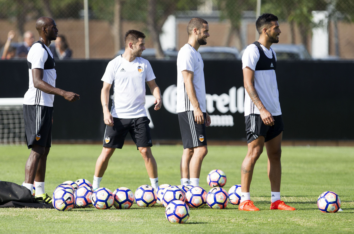 Munir, Mangala y Garay se perfilan como titulares ante el Betis