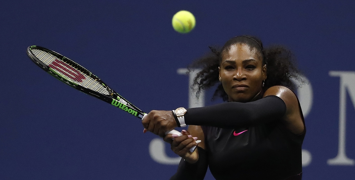 Serena Williams vence a Halep y jugará la semifinal ante Pliskova