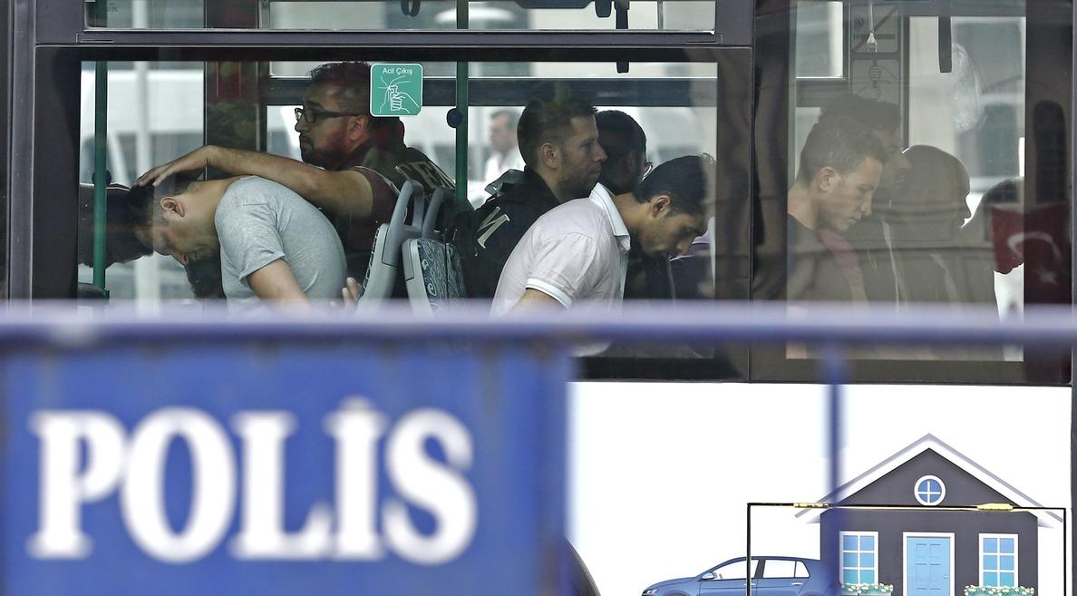 Turquía detiene a 151 militares, empresarios y funcionarios por «gülenistas»