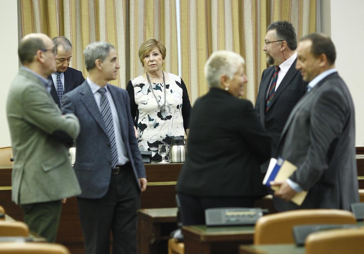Celia Villalobos dice a Pedro Sánchez que la abstención «no es gratis» y le aconseja negociarla