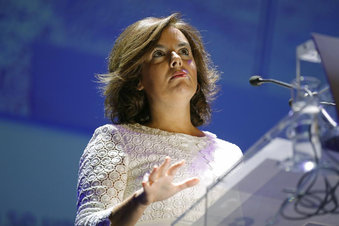 Gobierno descarta que Guindos acuda al pleno sobre Soria y dice va a Comisión