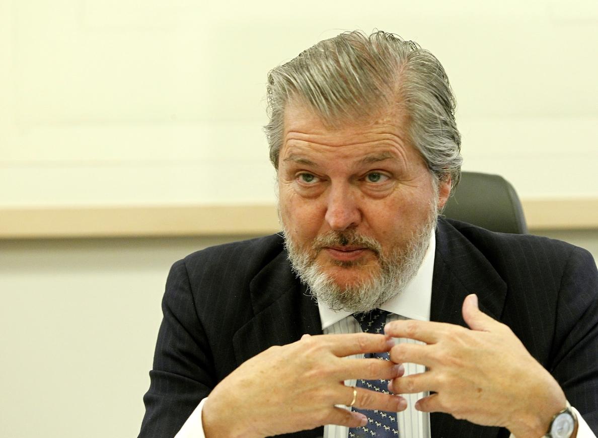 Méndez de Vigo sobre el »decreto 3+2»: «Me parece muy extraño que Derecho se pueda estudiar en tres años»