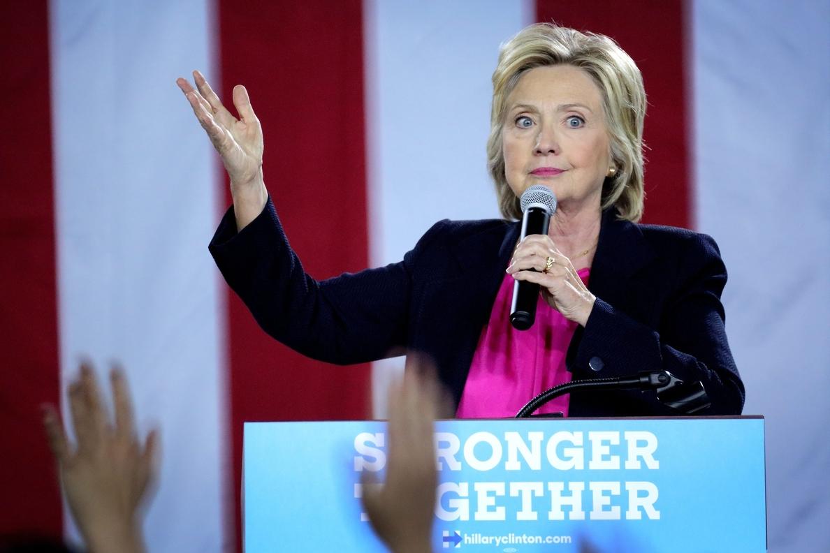 Trump desea una pronta recuperación a Clinton y divulgará pronto su examen médico