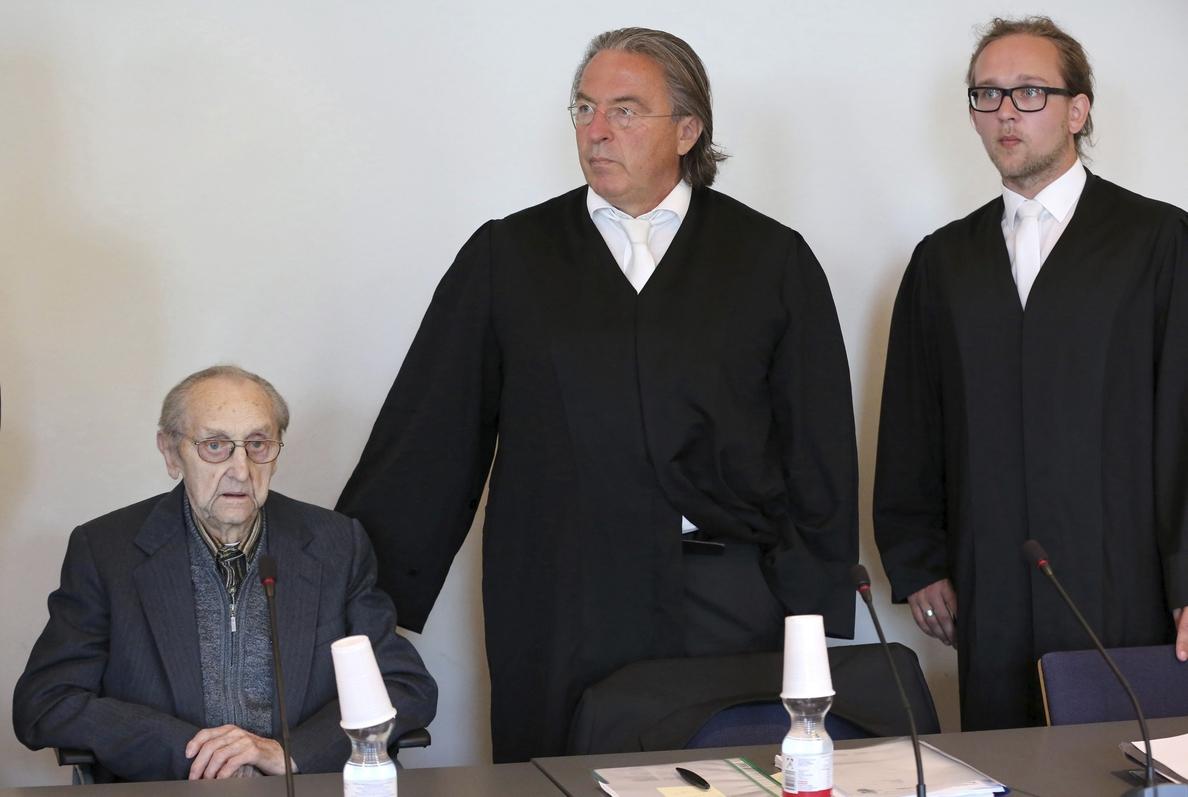 Comienza en Alemania el juicio a un exenfermero nazi de Auschwitz de 95 años