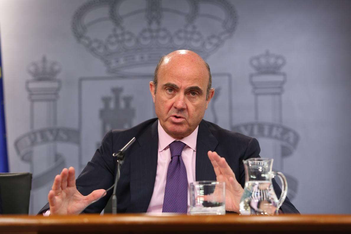 Guindos detalla en su libro »España amenazada» las medidas para evitar el rescate y superar la crisis