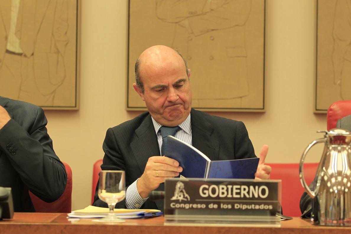 Guindos acudirá hoy a la Comisión de Economía del Congreso para hablar del déficit y del »Caso Soria»