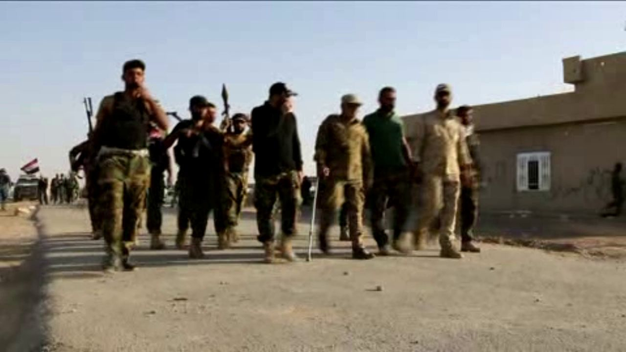 El Estado Islámico asesina a tiros a 52 jóvenes en un colegio de Mosul
