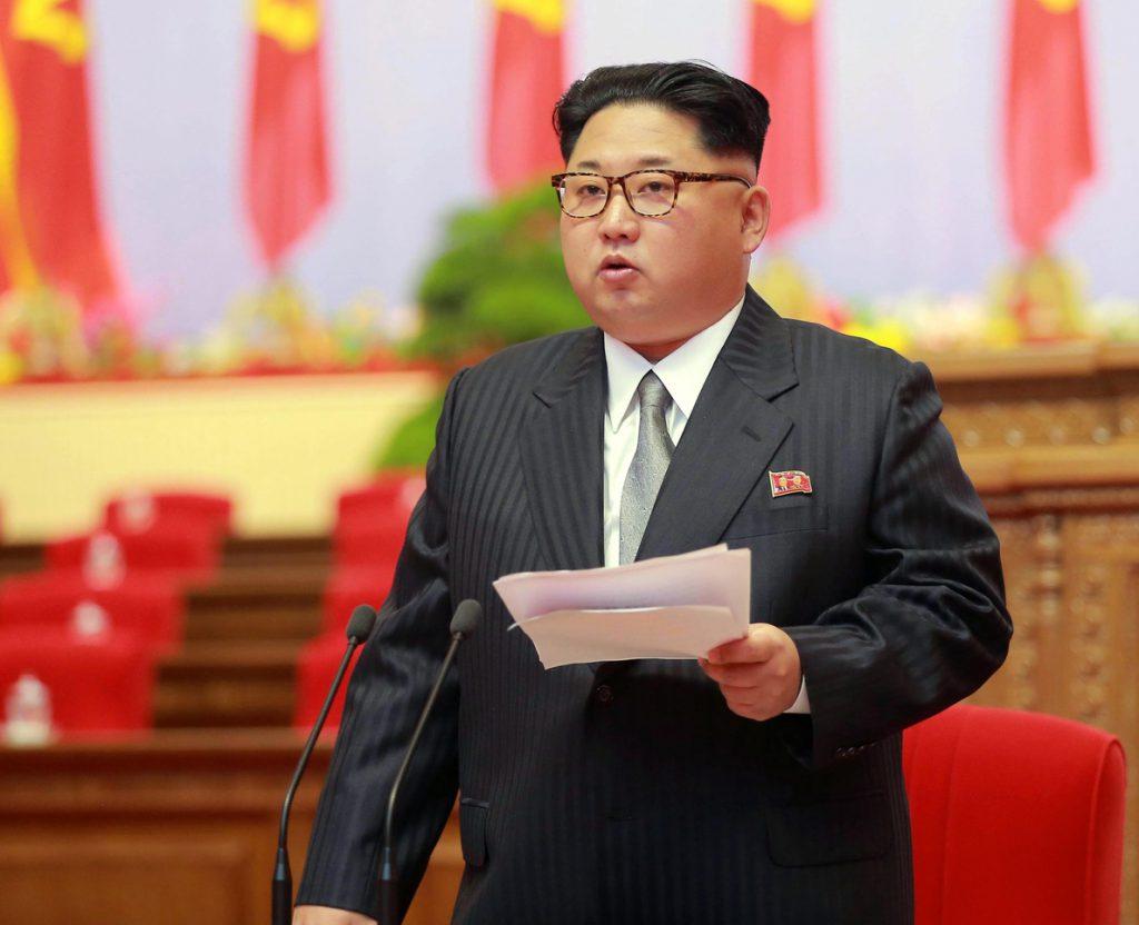 Kim dice que Pyongyang está casi listo para lanzar un misil de largo alcance