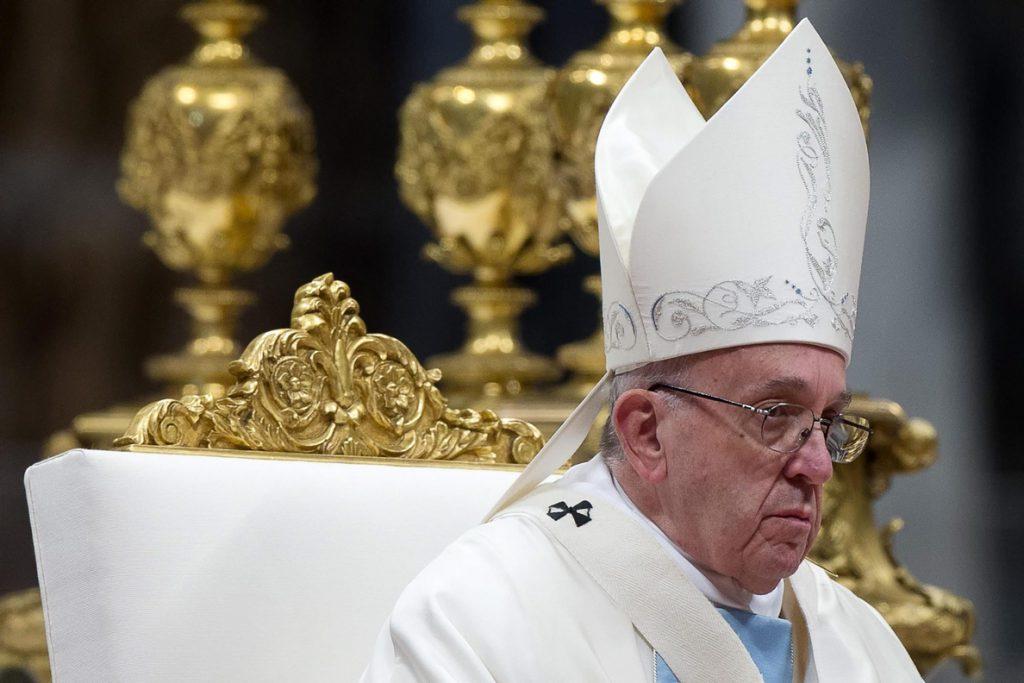 El papa critica la «orfandad espiritual», un «cáncer que corroe el alma»