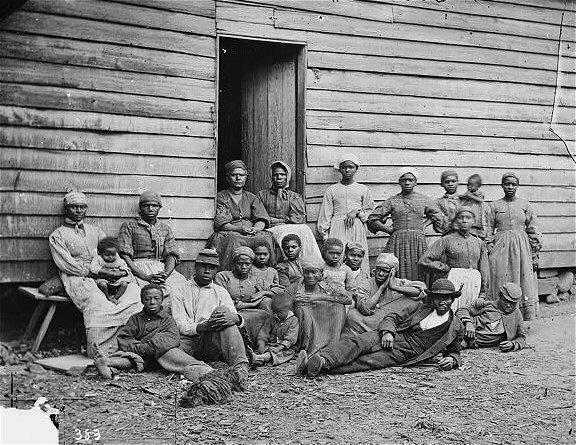 La esclavitud en Estados Unidos queda abolida en 1865