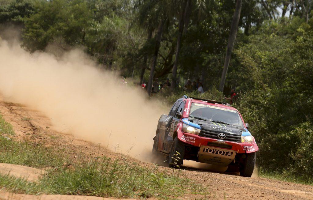 Al-Attiyah se gana la primera etapa del Dakar, seguido por Pons, Roma y Sainz
